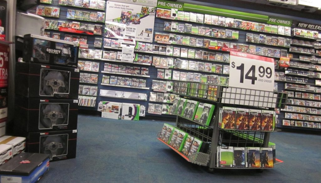 gamestop-shelves